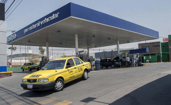 Taxistas pasan a gas natural