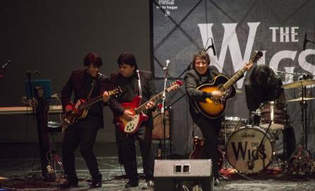 Memorable homenaje a ritmo de The Beatles