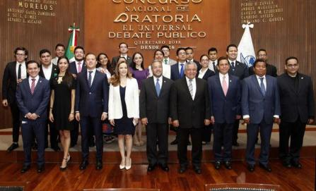 Jóvenes de 17 estados destacan en final de oratoria