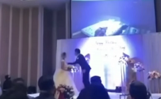 Novio exhibe infidelidad en plena boda, en China