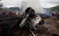 Captan en video incendio provocado por un accidente de pipa en Honduras