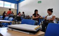 Anuncian becas para secundaria, preparatoria y licenciatura